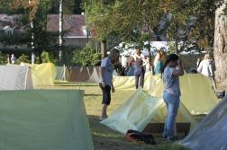 Erste Nacht im selbstgebauten Zelt