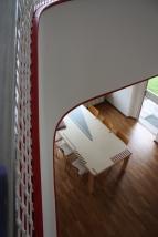 Blick von der Treppe in den Essbereich