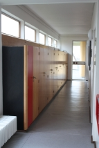 Die Schlafzimmer der Kinder waren relativ klein, so dass der Flur als Schrank-Stauraum genutzt wurde.