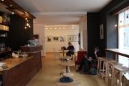 ein Cafe von JMEM in Herrnhut mit wechselnder Galerie
