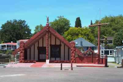 Versammlungshaus der Maori in Rotorua