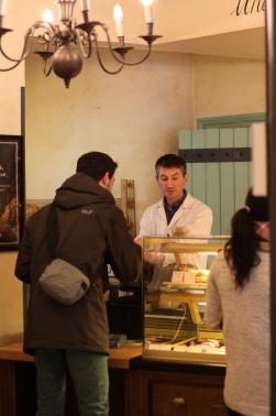Paul - hier gibts die besten Schokolade-Mandel-Croissants